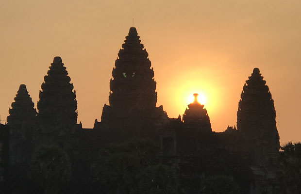 Angkor Jeep Tour with Sunset & Sunrise
